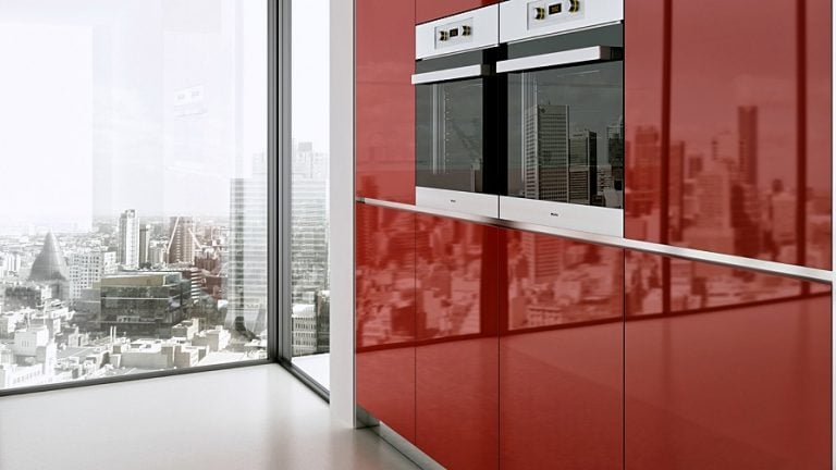 W28 Red High Gloss HG4200